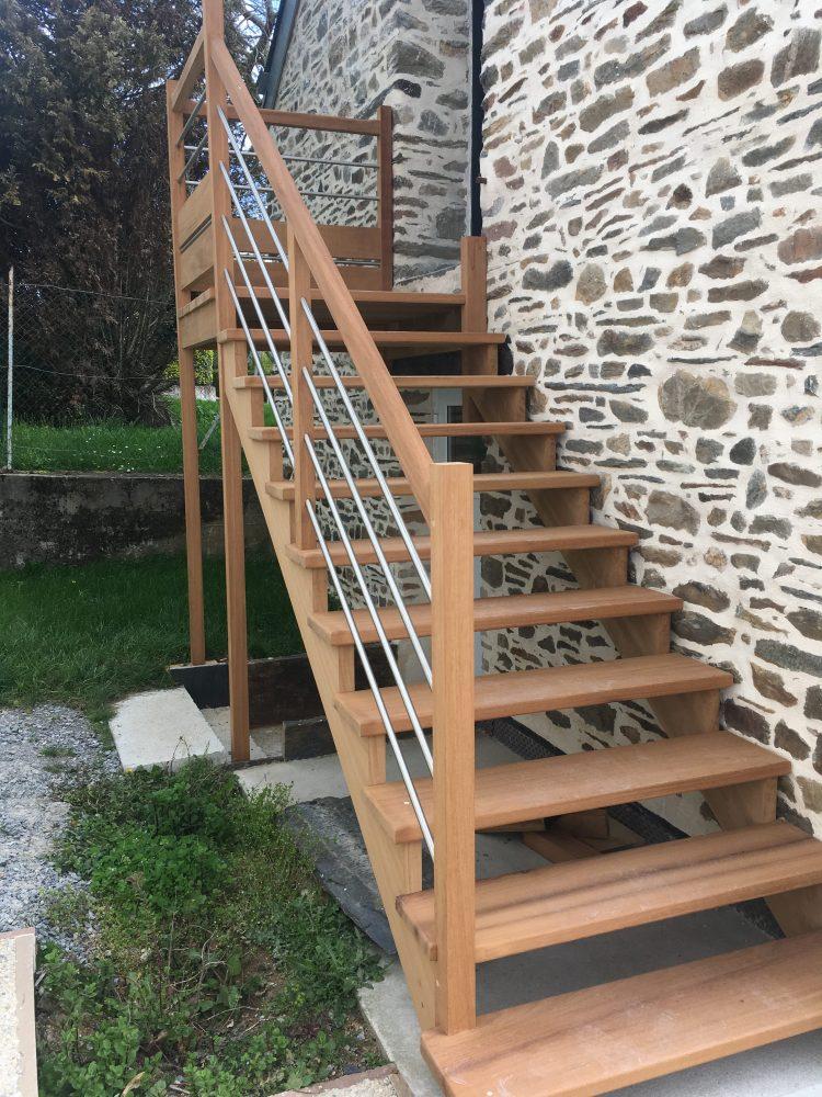 escalier bois ext rieur menuiserie rouxel malansac. Black Bedroom Furniture Sets. Home Design Ideas